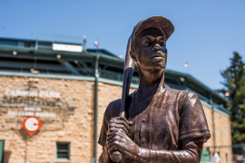 Statue of Hank Aaron at Carson Park